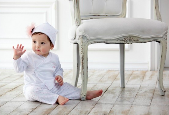 This is not our little Lillian. Just an adorable baby in Kissy Kissy.