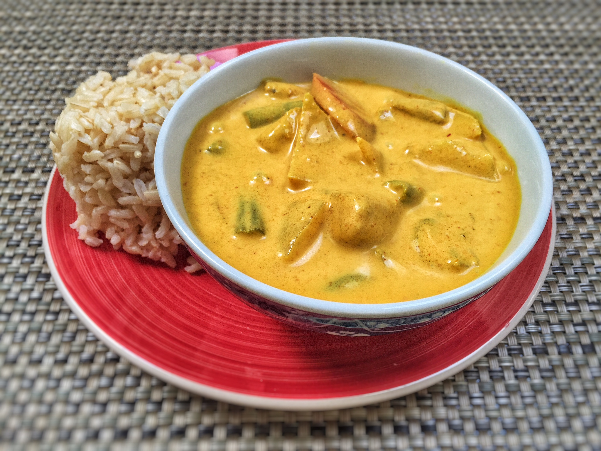 Yellow Curry with Chick'n (or Tofu)