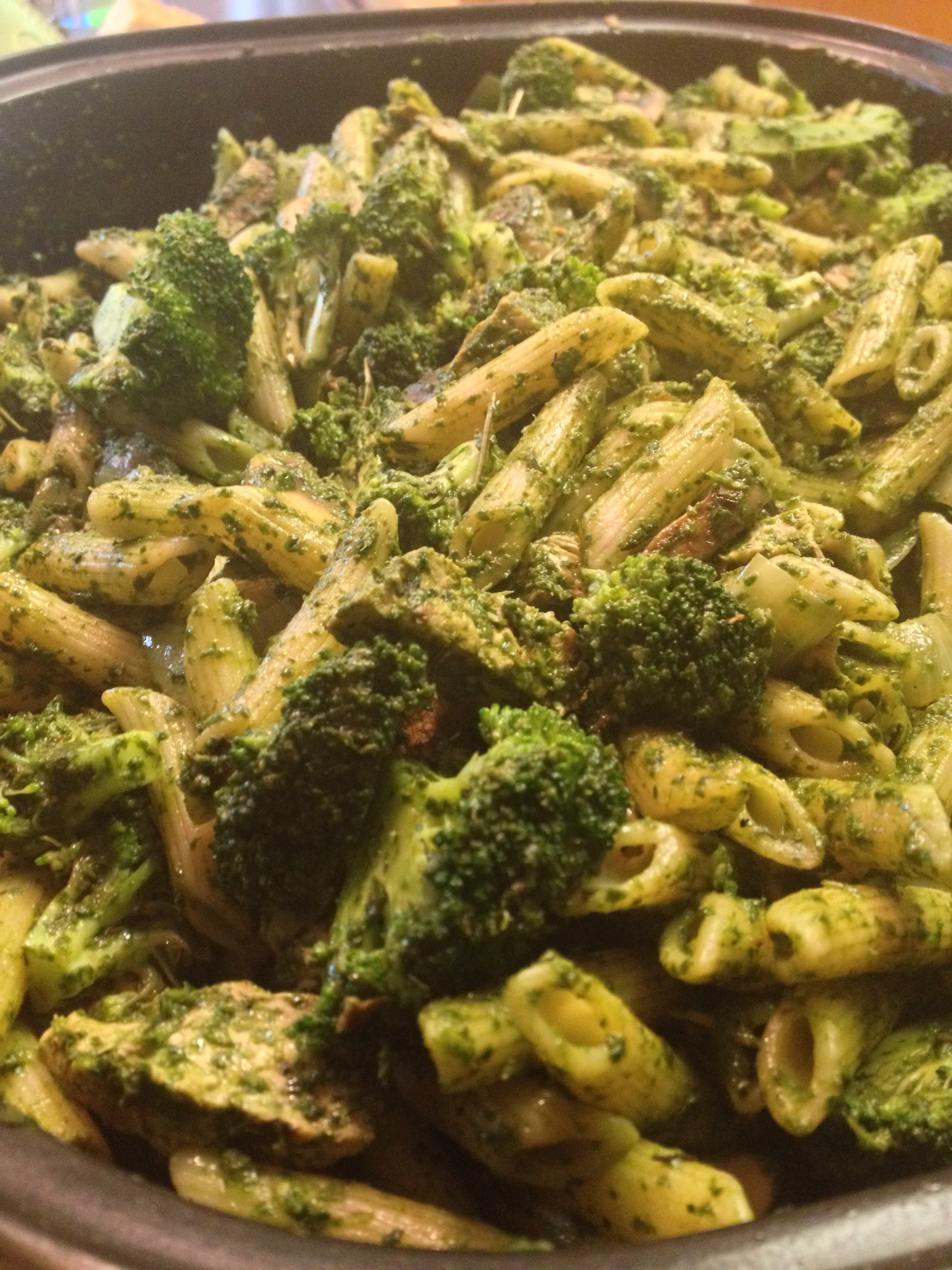 Penne Pasta with Pesto Sauce and Chick'n