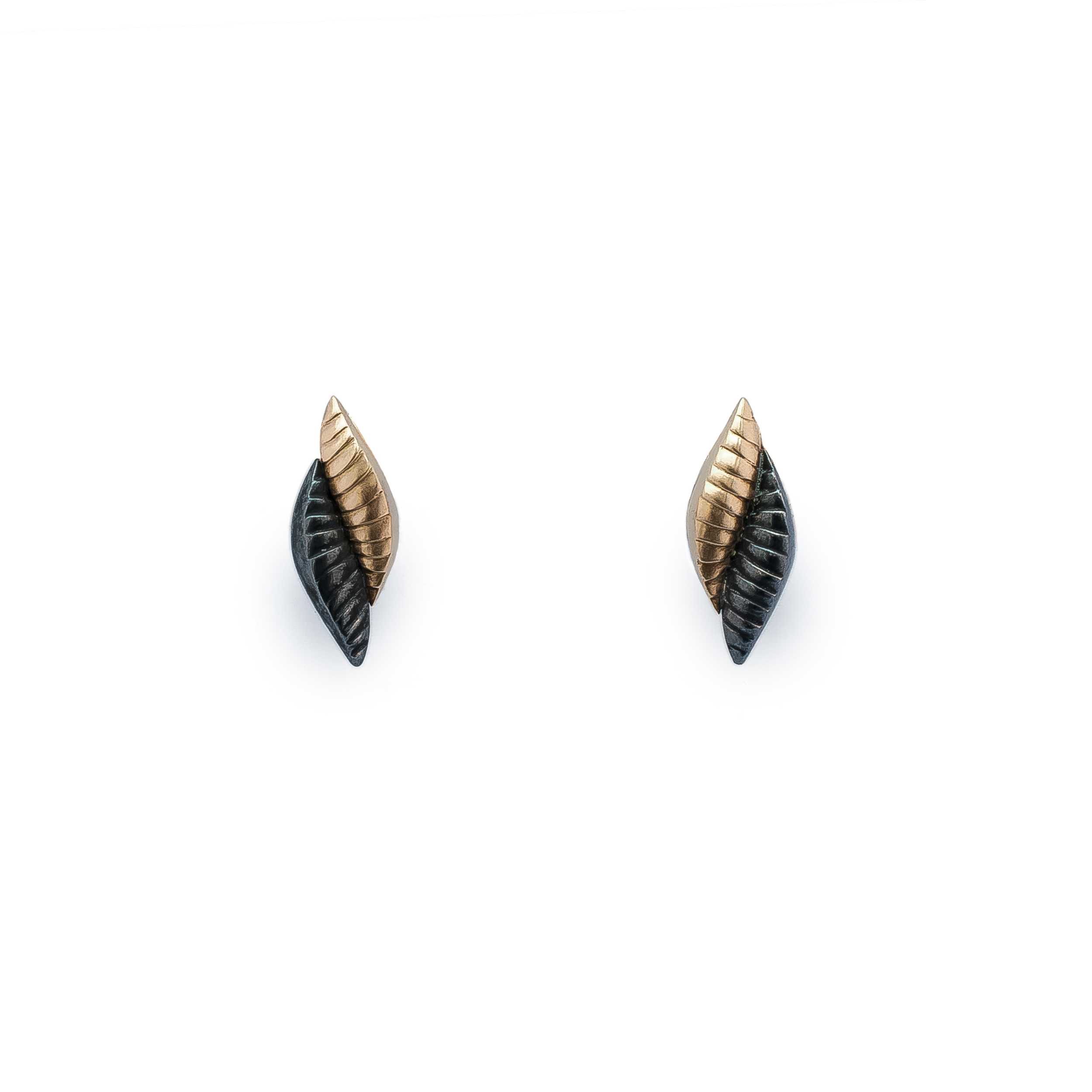 Snake earring short Final (1 of 2).jpg