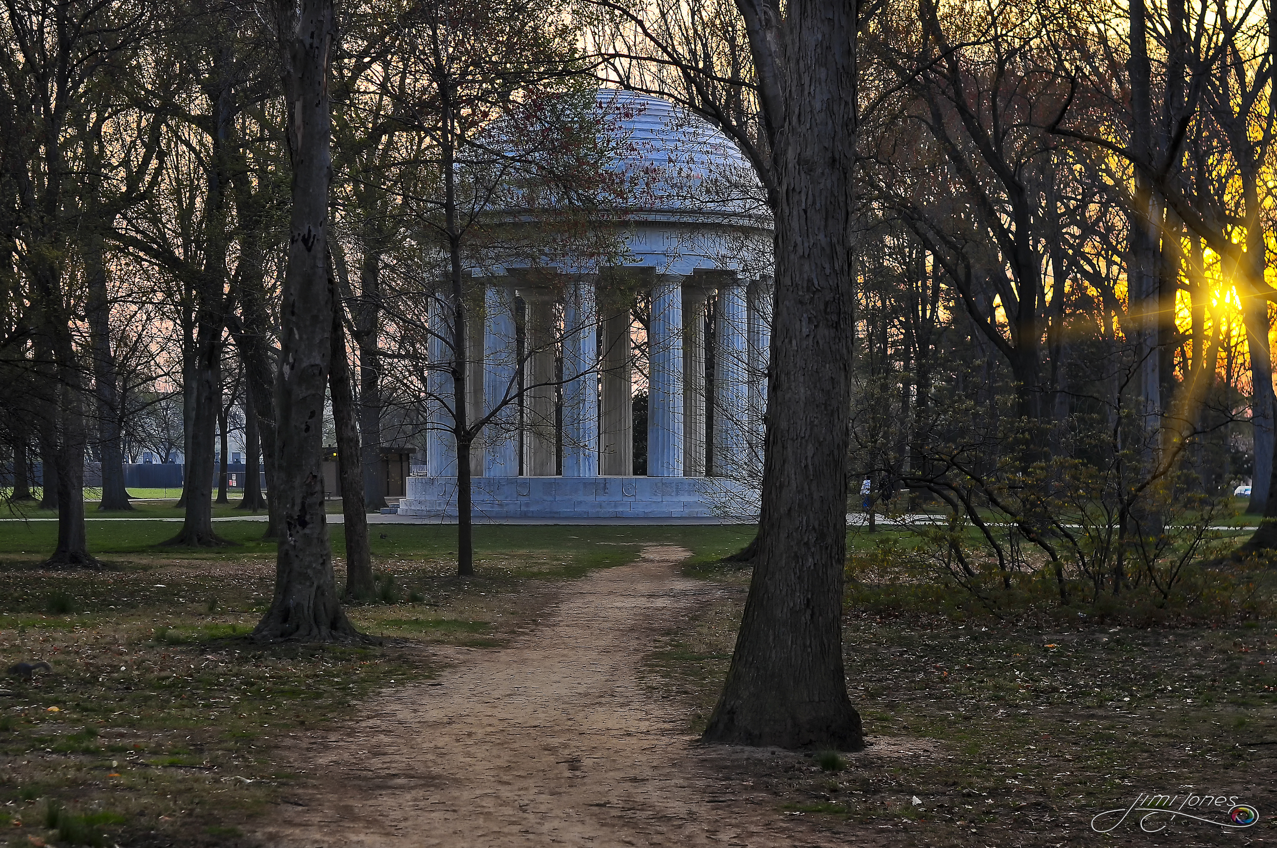 DC War Memorial                                                   BUY