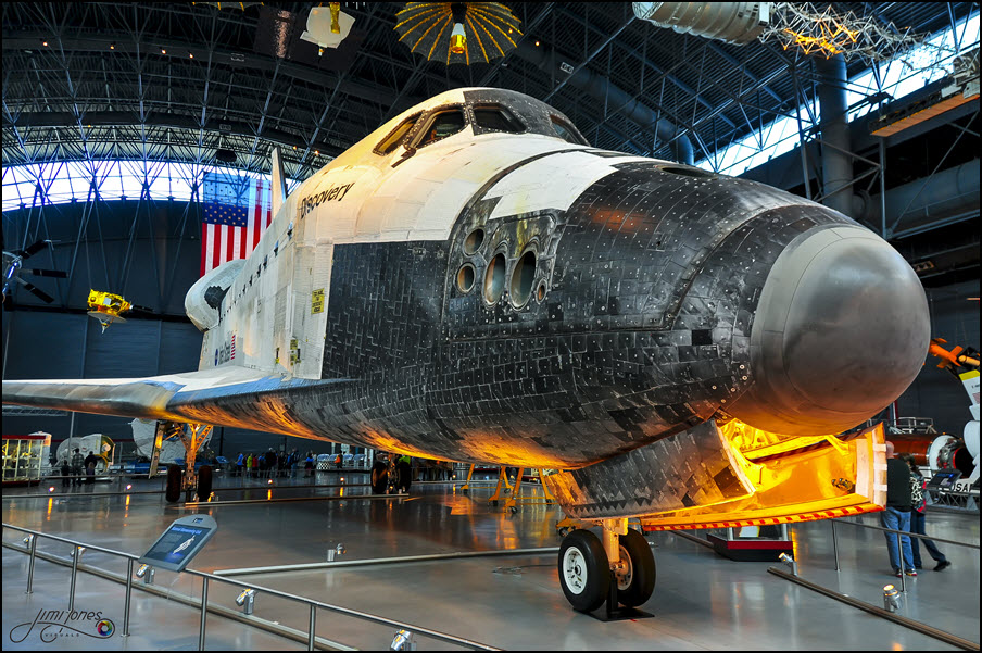 Space Shuttle Discovery - Front View