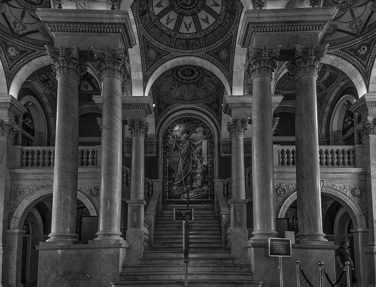 Staircase in the Library of Congress - B&W.jpg