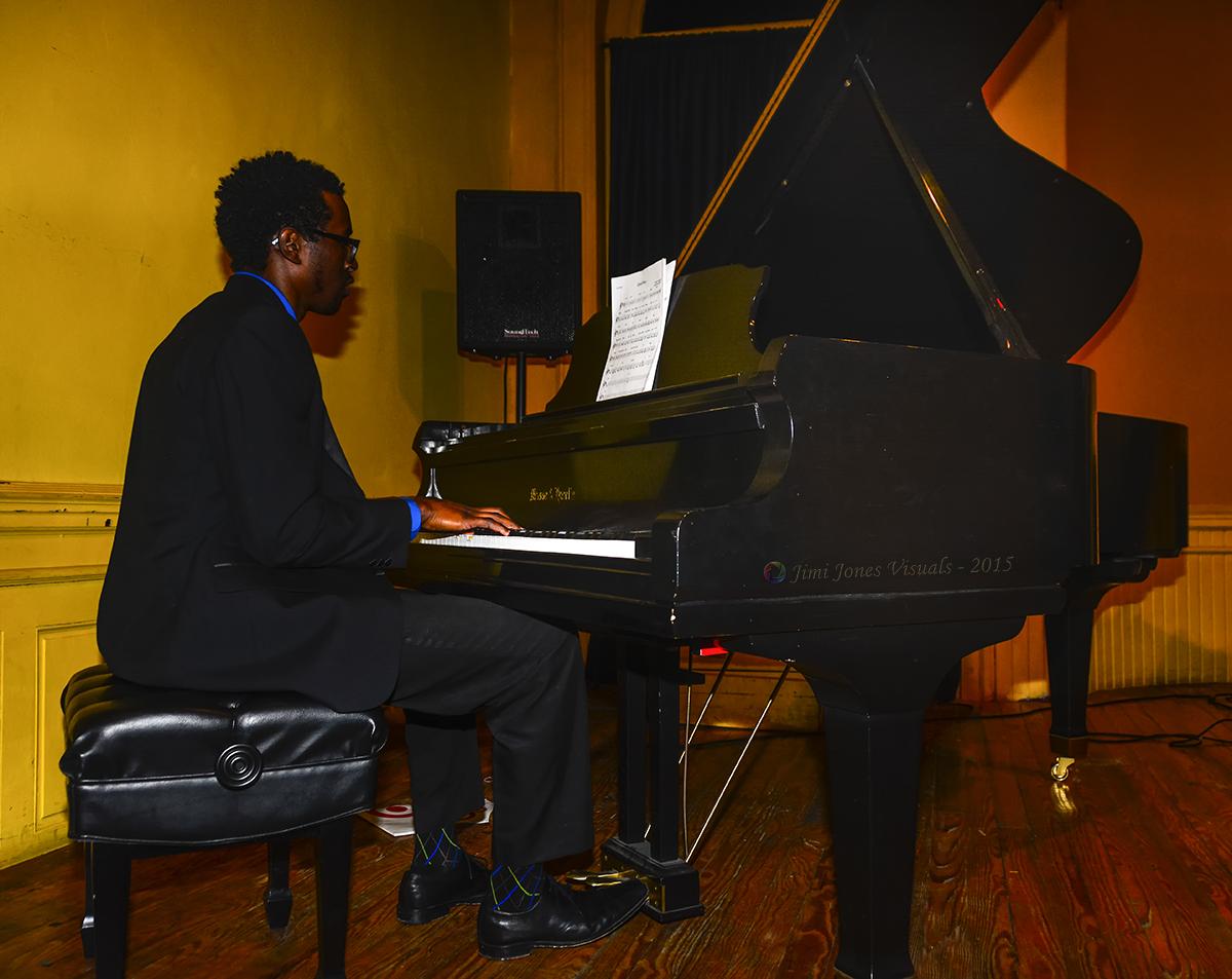 Rodney Wing on Keyboards