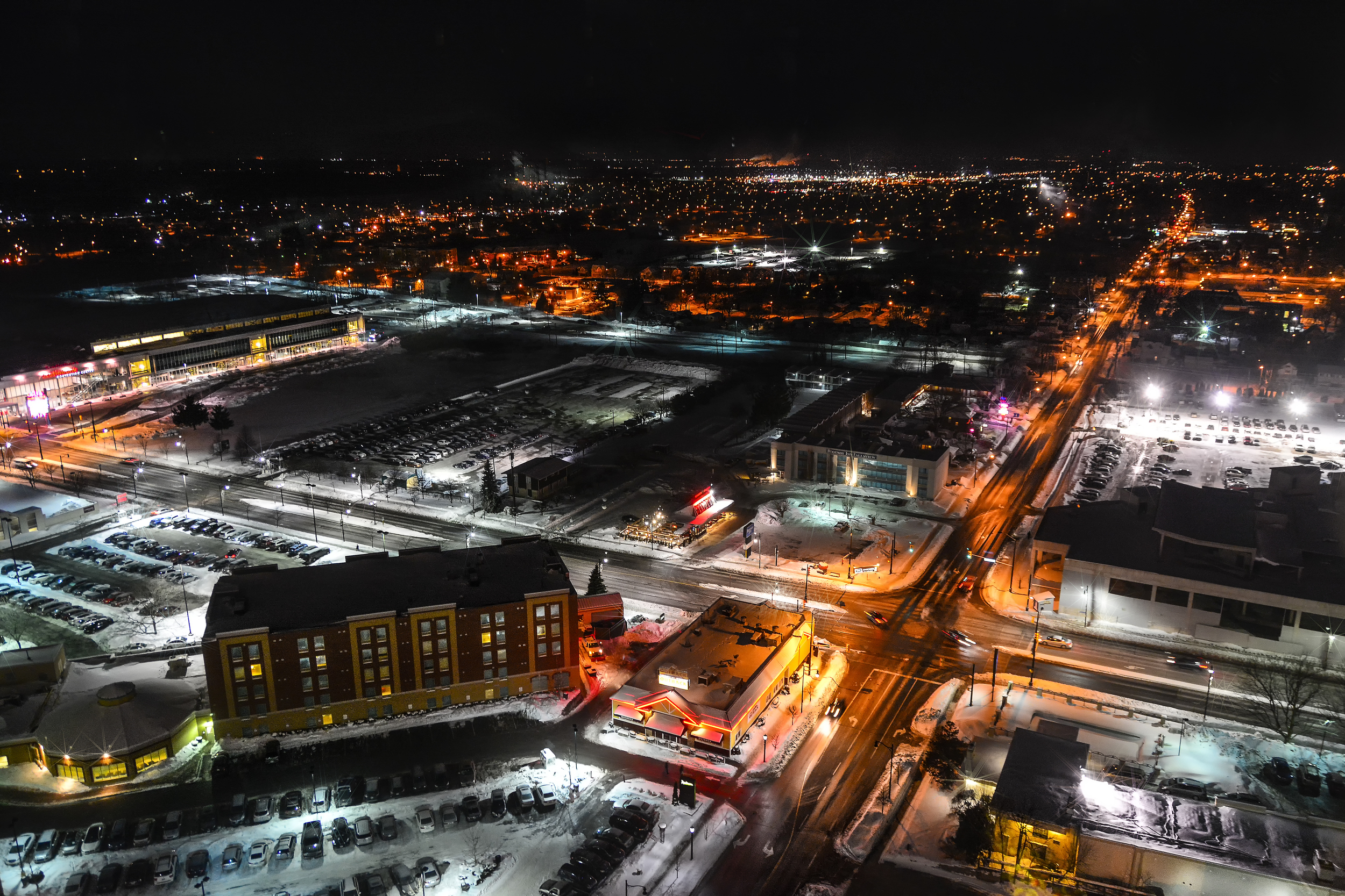 Niagara Skyline - Night Photography.jpg