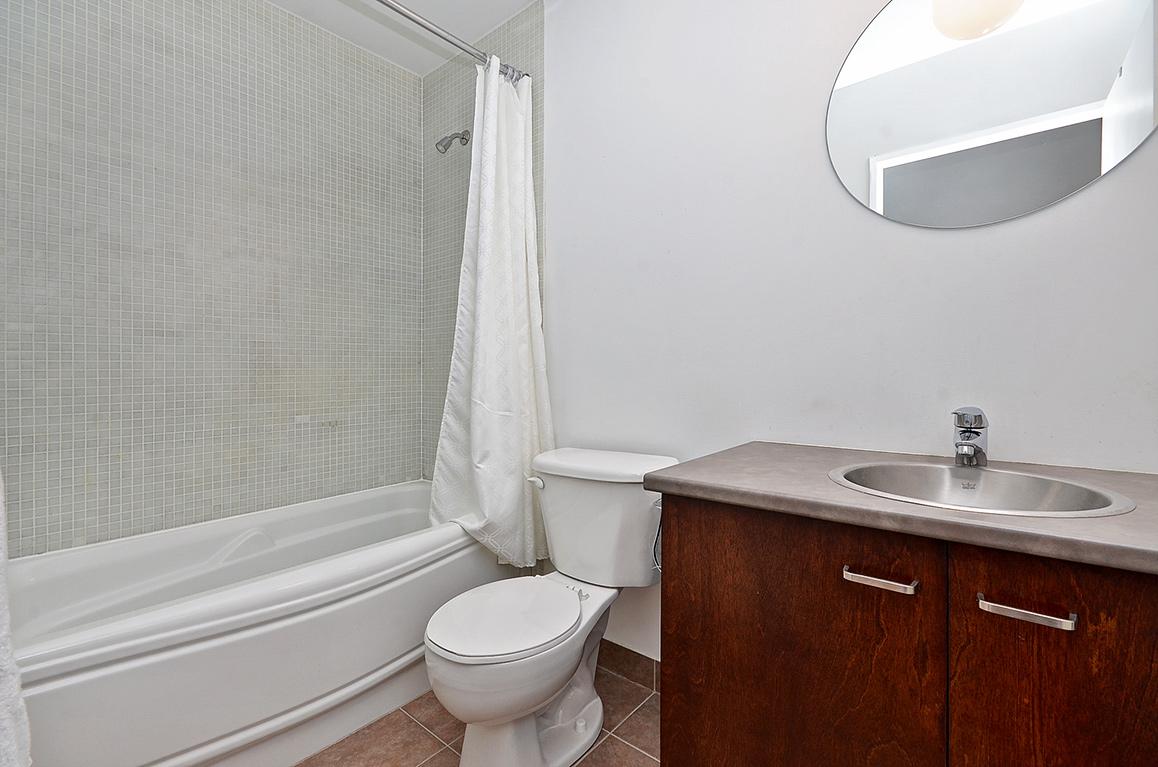 015bathroom2.jpg