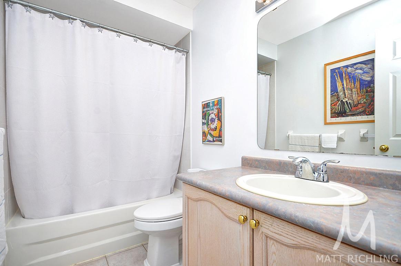 021bathroom2.jpg