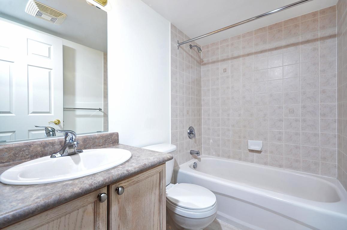 014bathroom2.jpg