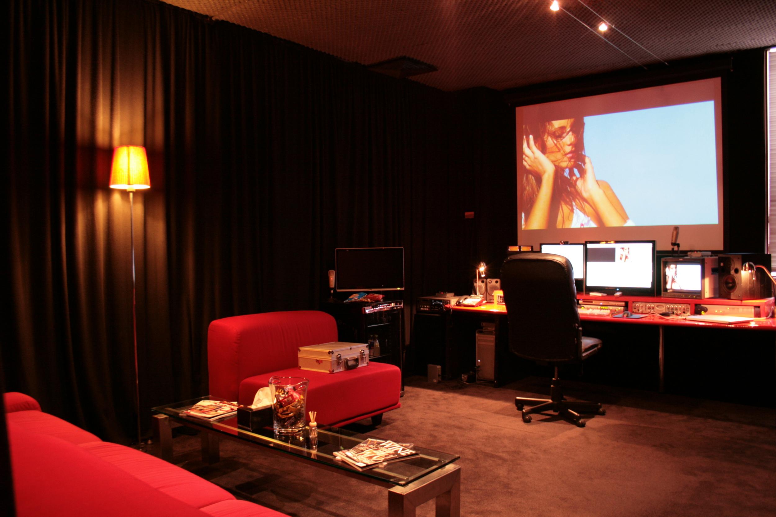 Edit_1@Cave Studios