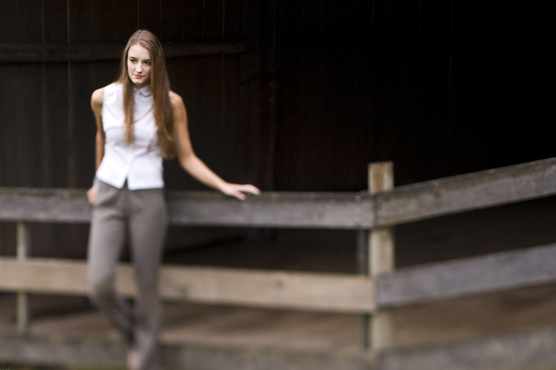 White_blouse_grey_pants4.jpg