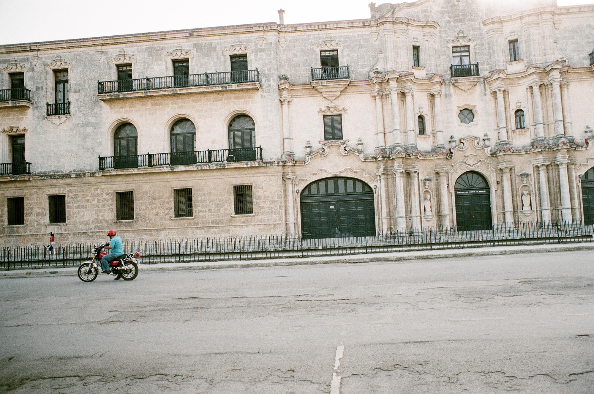 havanabiker.jpg