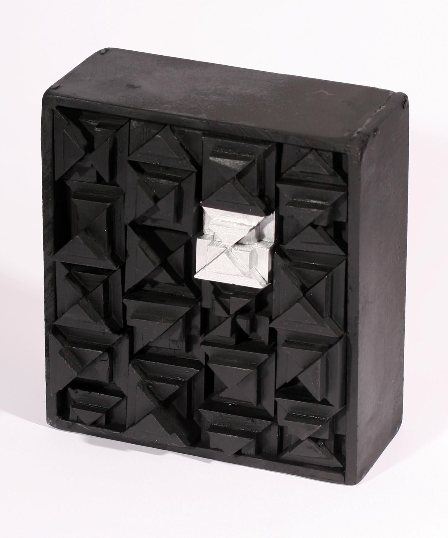 1-thebox1.jpg