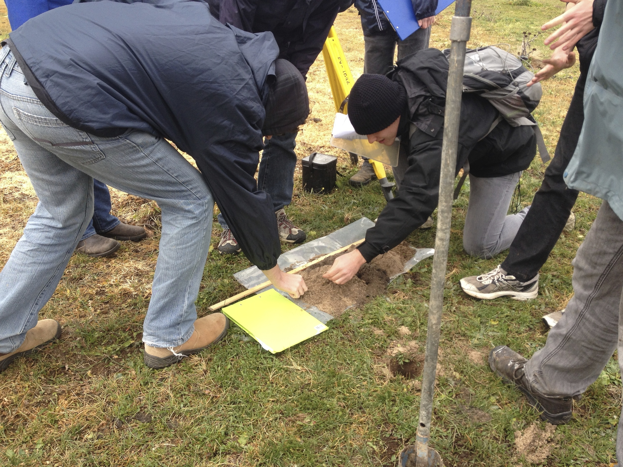 Students design, execute and report on an experiment to analyse historical rainfall from the soil profiles at Lake George