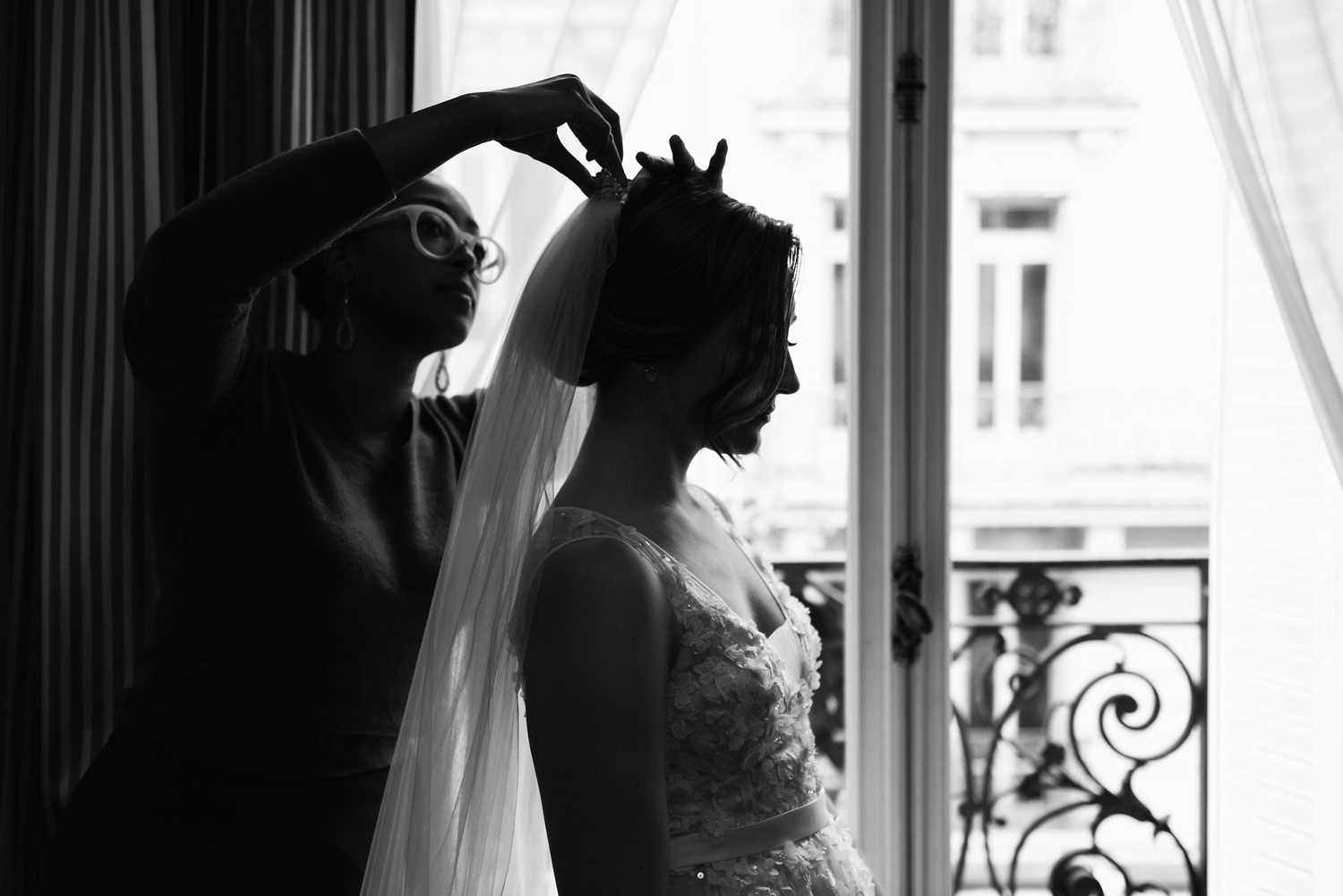 121-katie-mitchell-paris-europe-destination-elopement-wedding-photographer-france.jpg