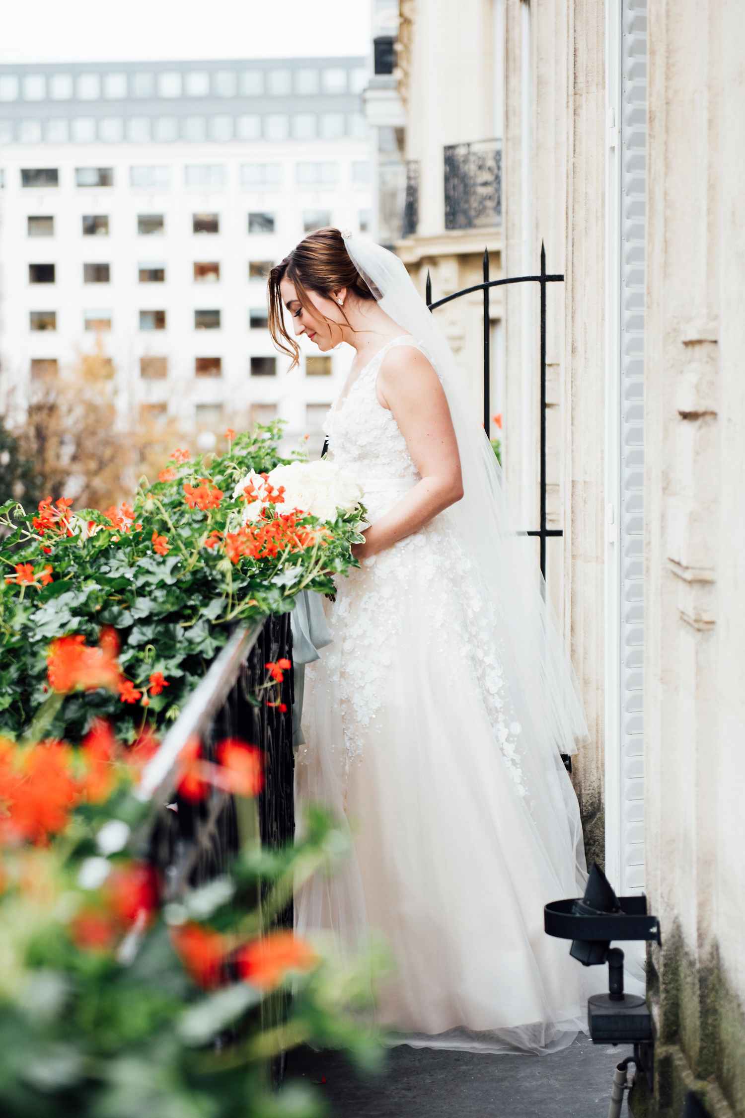 127-katie-mitchell-paris-europe-destination-elopement-wedding-photographer-france.jpg