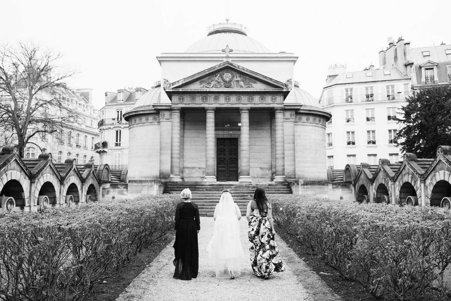 130-katie-mitchell-paris-europe-destination-elopement-wedding-photographer-france.jpg