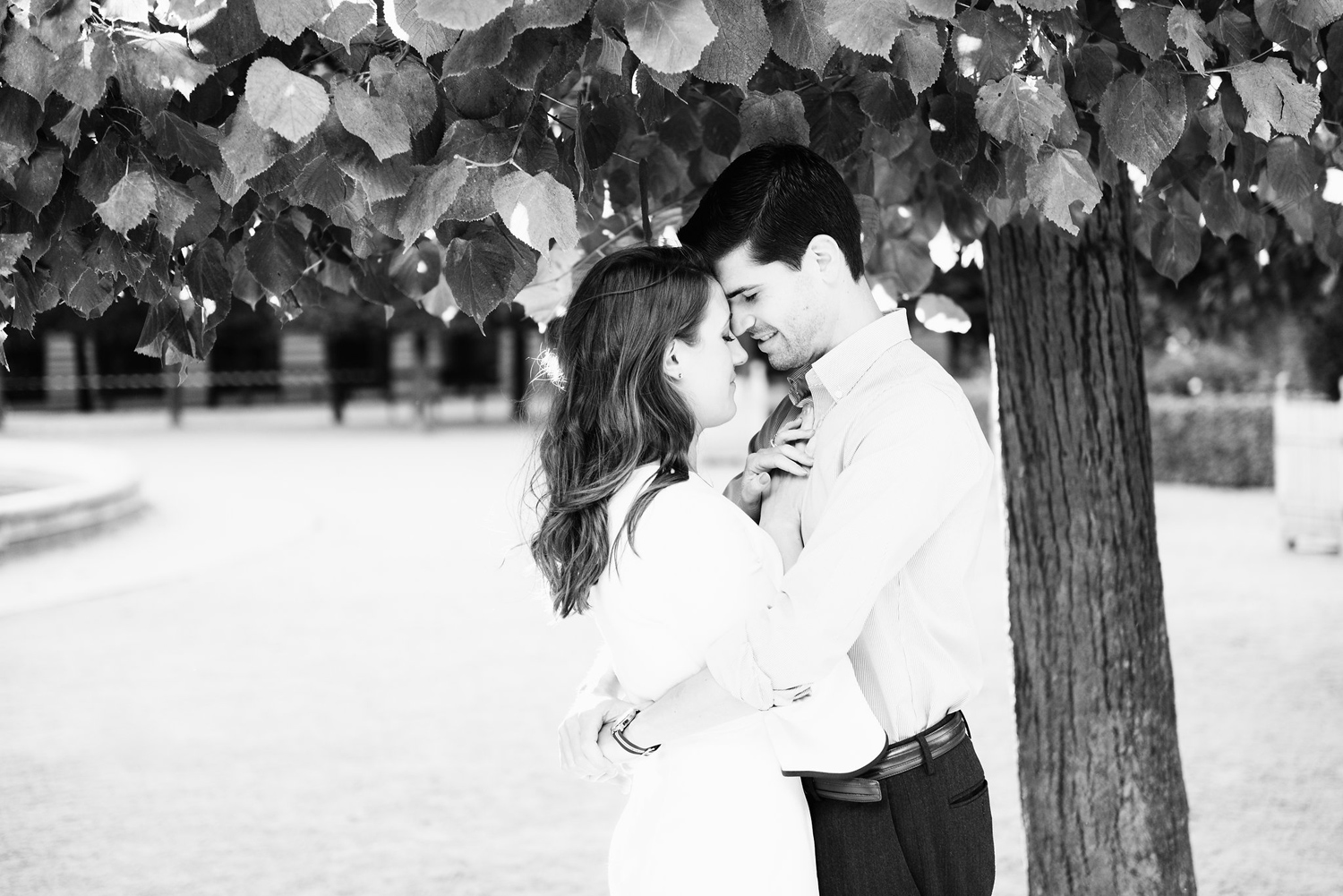 012-katie-mitchell-paris-engagement-photographer-france.jpg