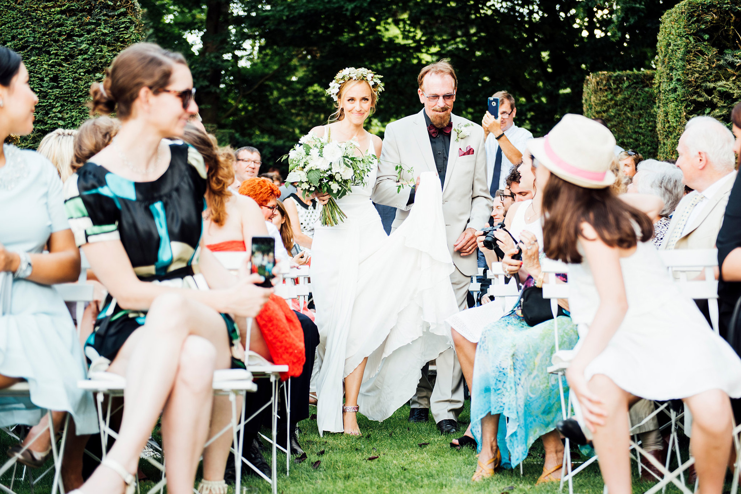Katie_Mitchell_Photography_French_Country_Garden_Wedding_Paris_18.jpg
