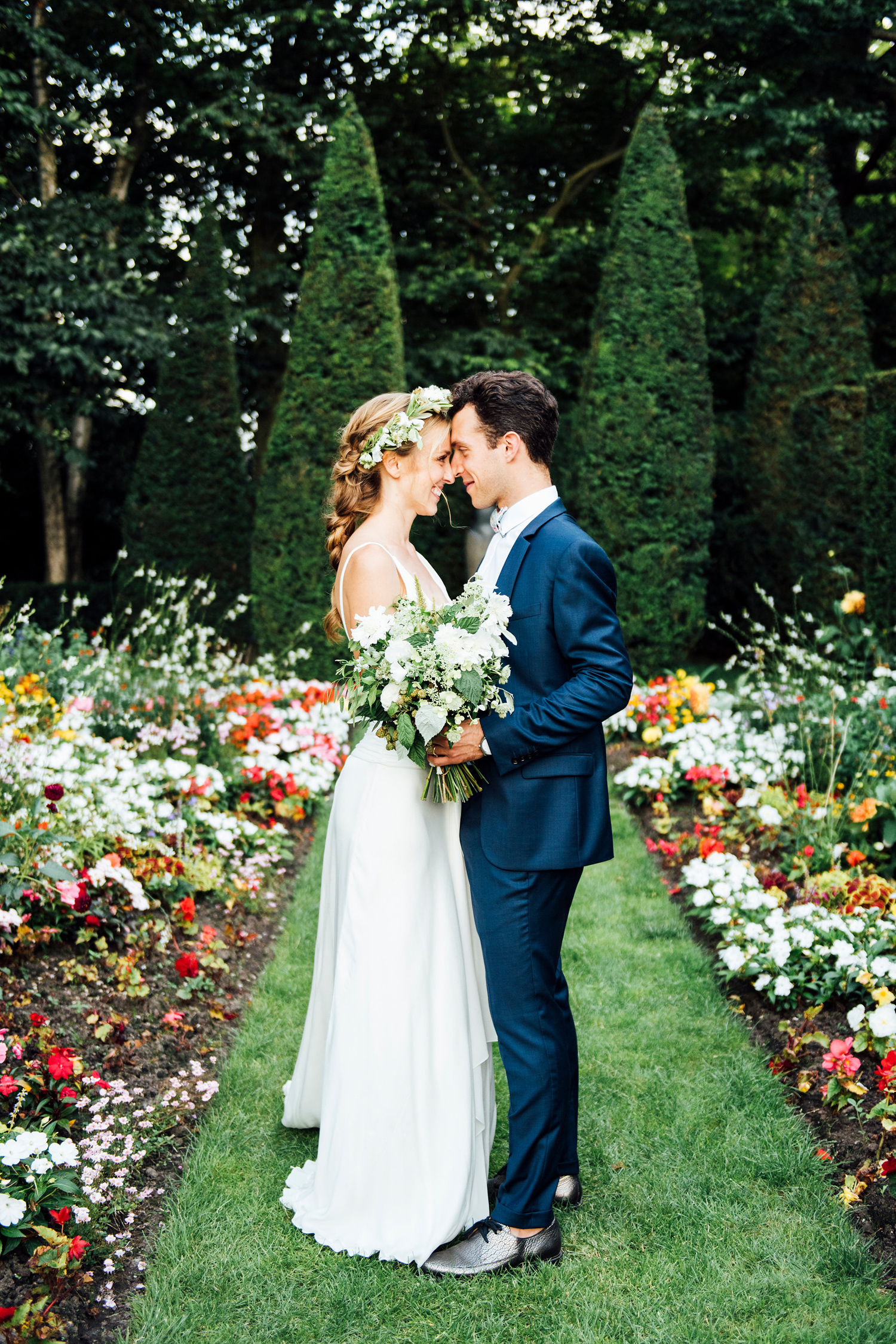 Katie_Mitchell_Photography_French_Country_Garden_Wedding_Paris_28.jpg