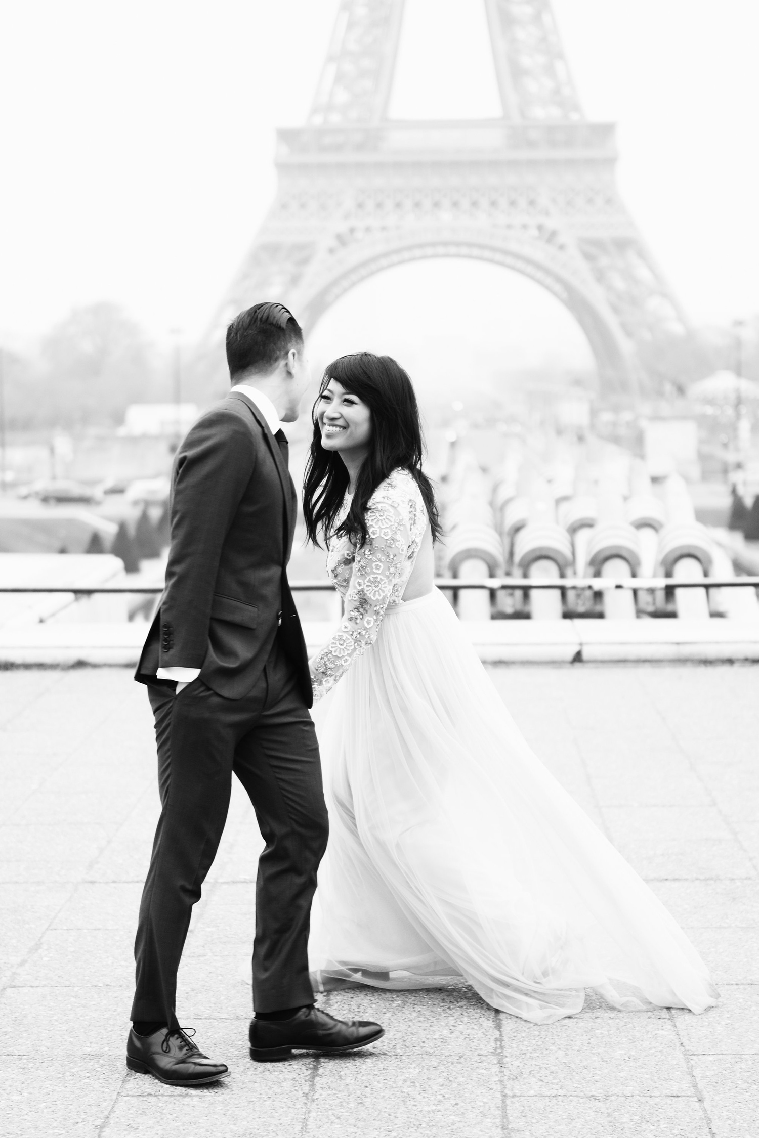 007-paris-engagement-shoot-english-speaking-photographer-katie-mitchell.jpg