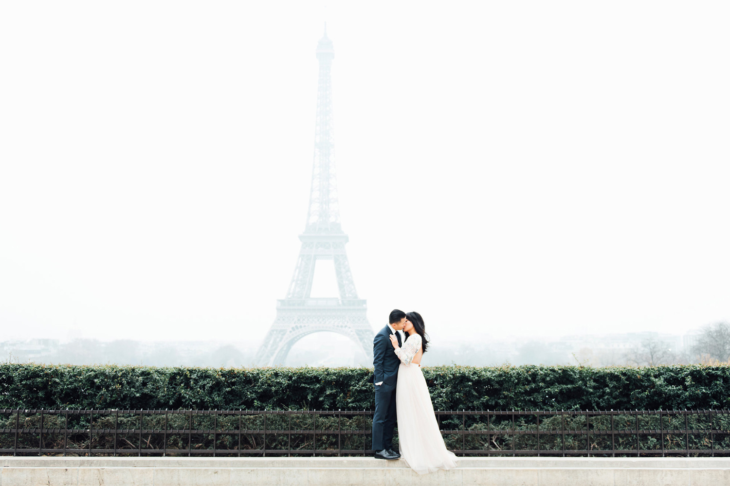 001-paris-wedding-engagement-photographer.jpg