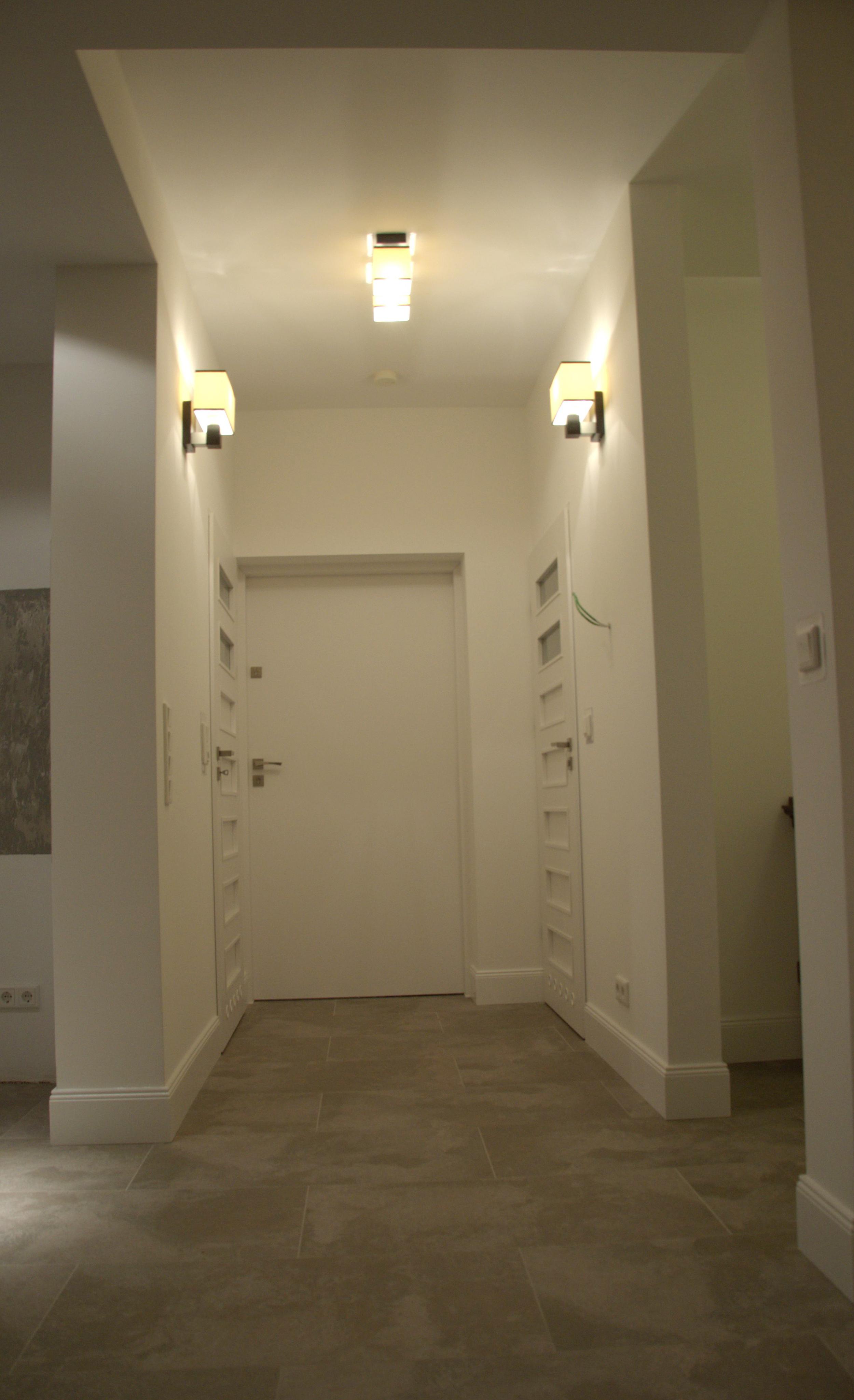 Loft Eingang mit Garderobe, Etagen WC und Wirtschaftsraum