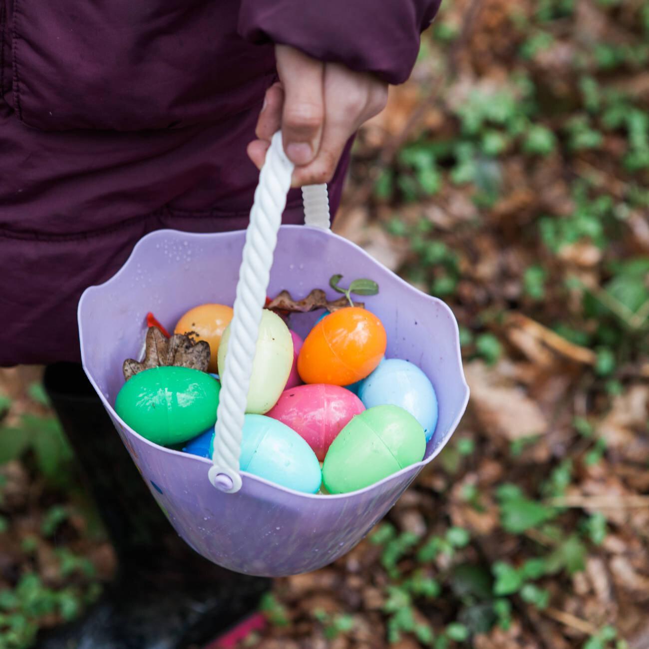 O Velikonocích hledáme s dětmi vajíčka.