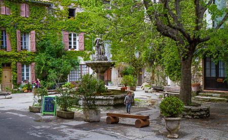 Town square - Saignon