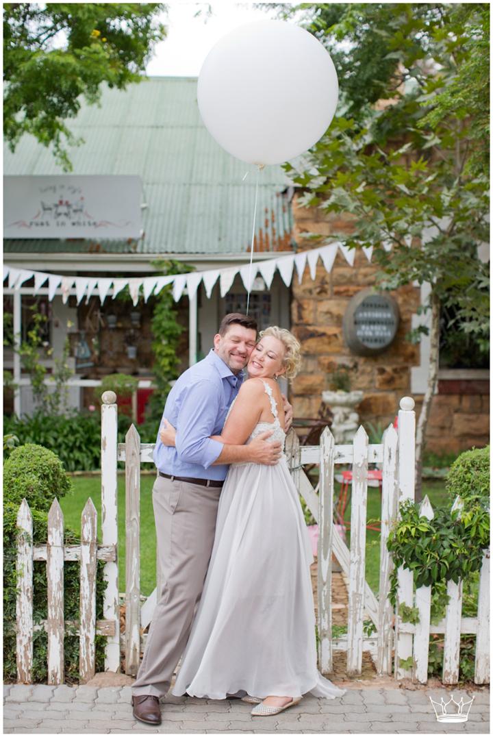 http://bellaparisdesigns.com/love-is-in-the-air-wedding/