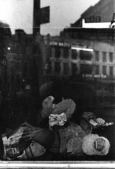 Ming Smith, American Dream, Harlem, NY , ca. 1972.