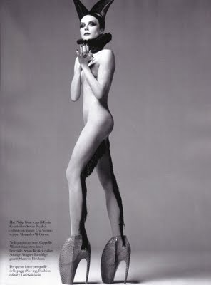 Daphne Guinness in Italian Vogue wearing McQueen's signature shoes (also made famous by Gaga). (image source: nitrolicious.com )