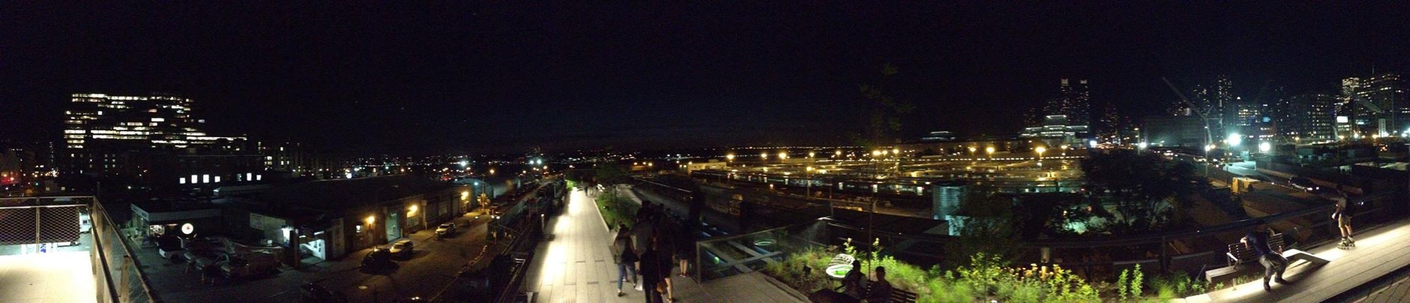 A great panoramic shot of the Chelsea Highline at night