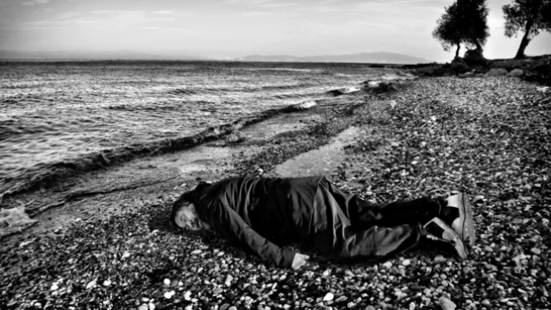 """In defense of Ai Weiwei's drowned Syrian boy photo (PODCAST)"""