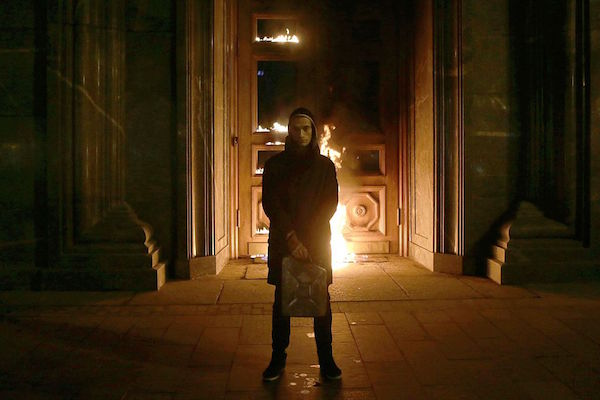 """Russian Artist Pyotr Pavlensky Donates His Human Rights Award to Imprisoned """