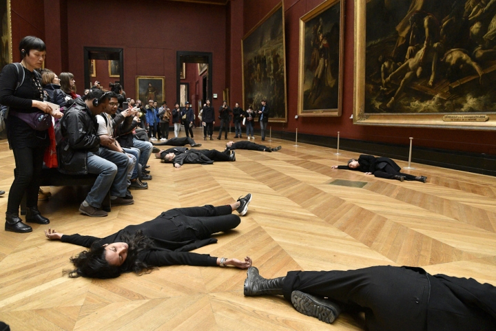 """""""Activists Pressure Louvre to Drop Oil Company Sponsorship with Die-in"""""""