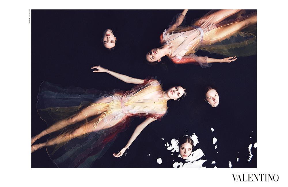 "Gold 2015 World Luxury Award ""Fashion & Style Print"" - Valentino Woman SS15"