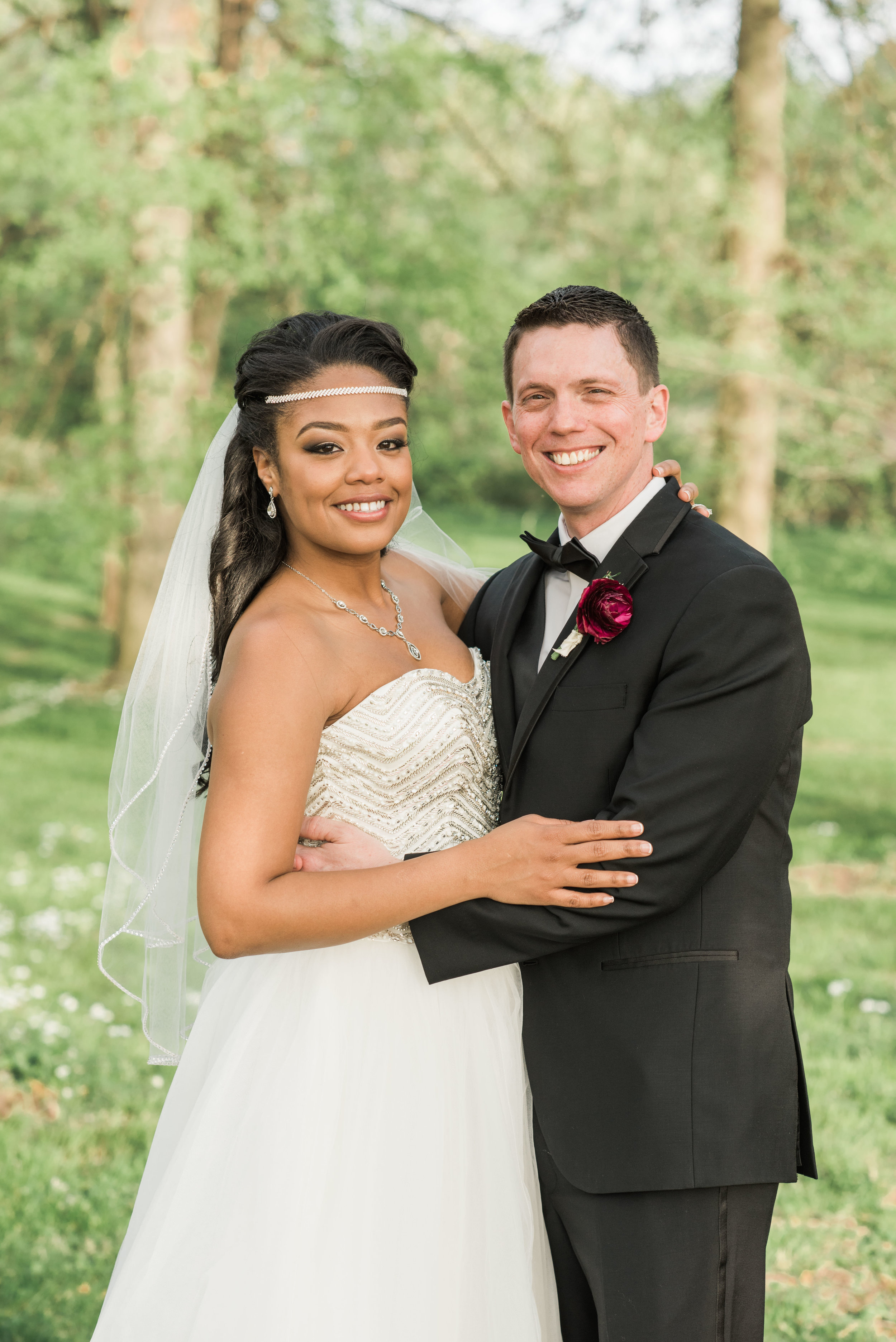 bride and groom, just married, bridal portrait, african american bride and white groom, mixed race bride and groom, bride and groom poses, good looking bride and groom