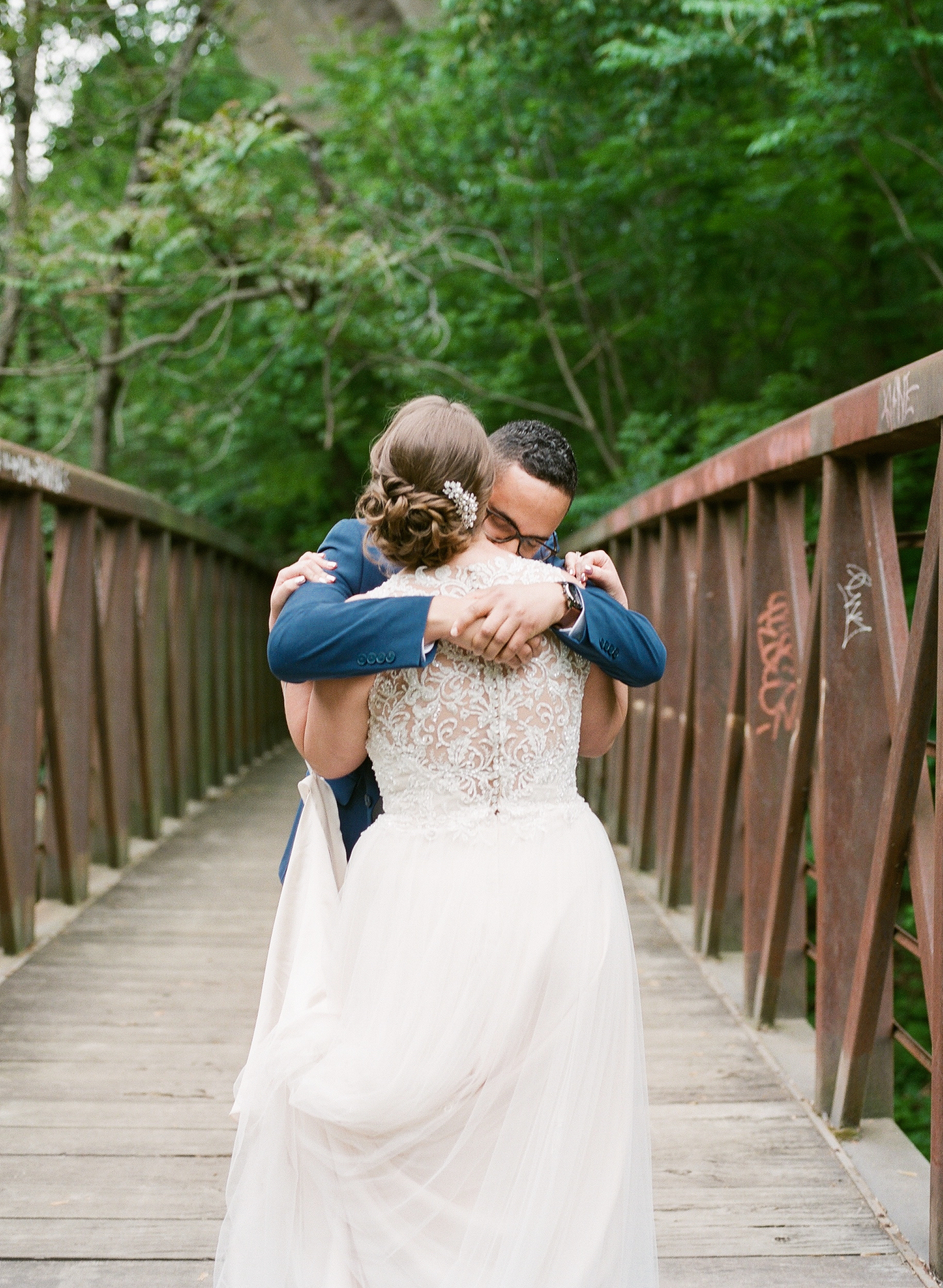 WISSAHICKON PARK WEDDING PORTRAITS