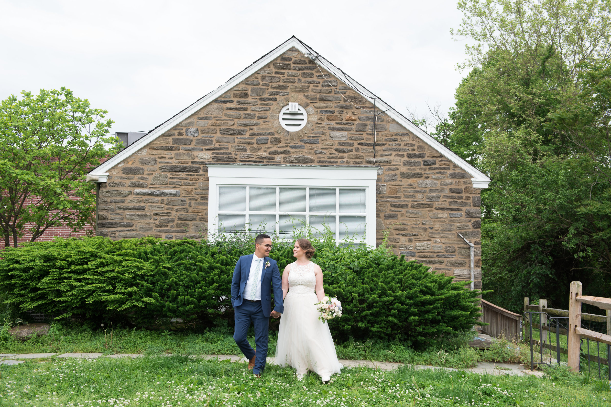MANAYUNK BREWING COMPANY BRIDE AND GROOM PORTRAITS