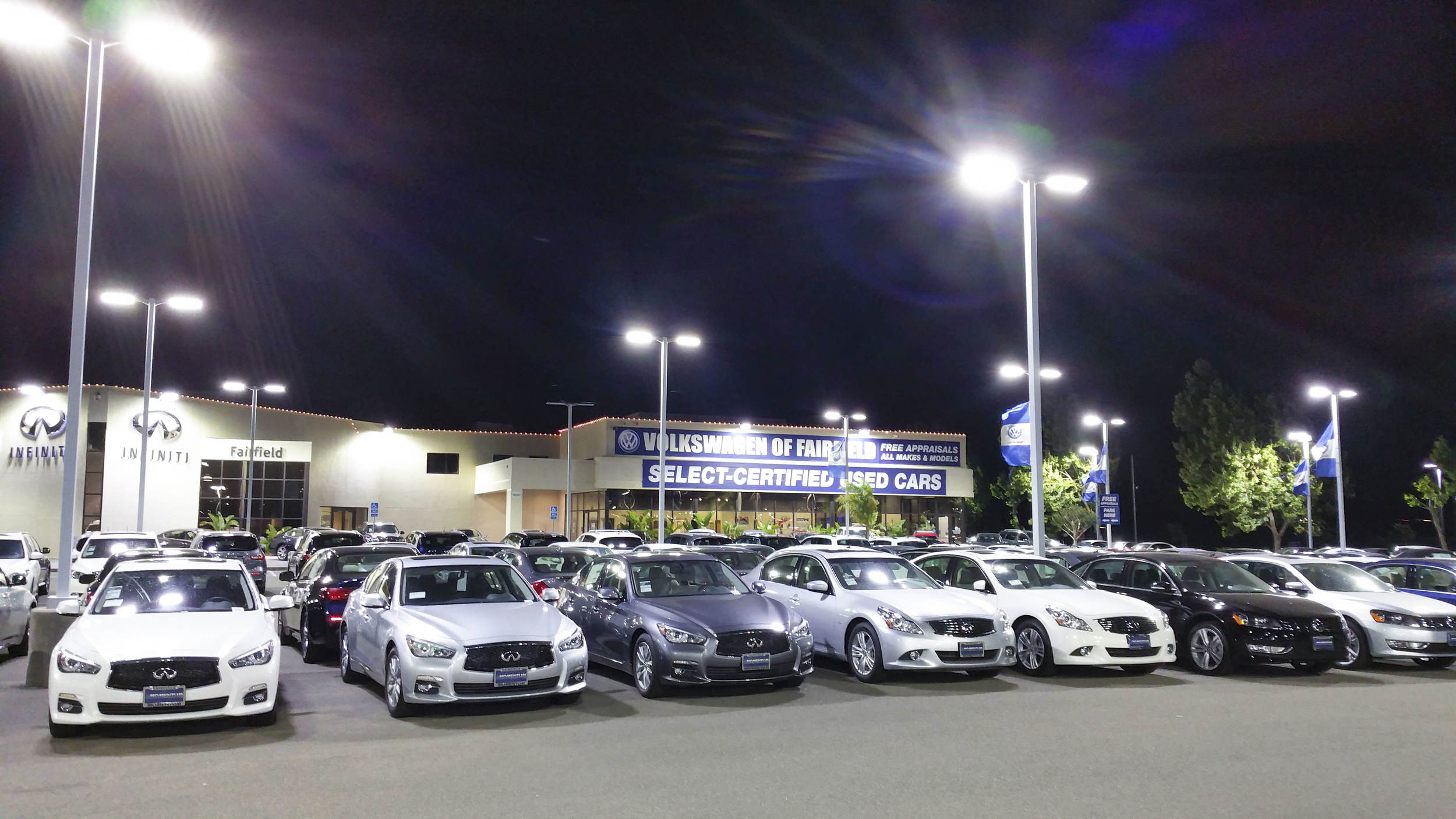 Awaken LED Lighting - Qx8Ho - Car Dealership - Infiniti / Volkswagen 2