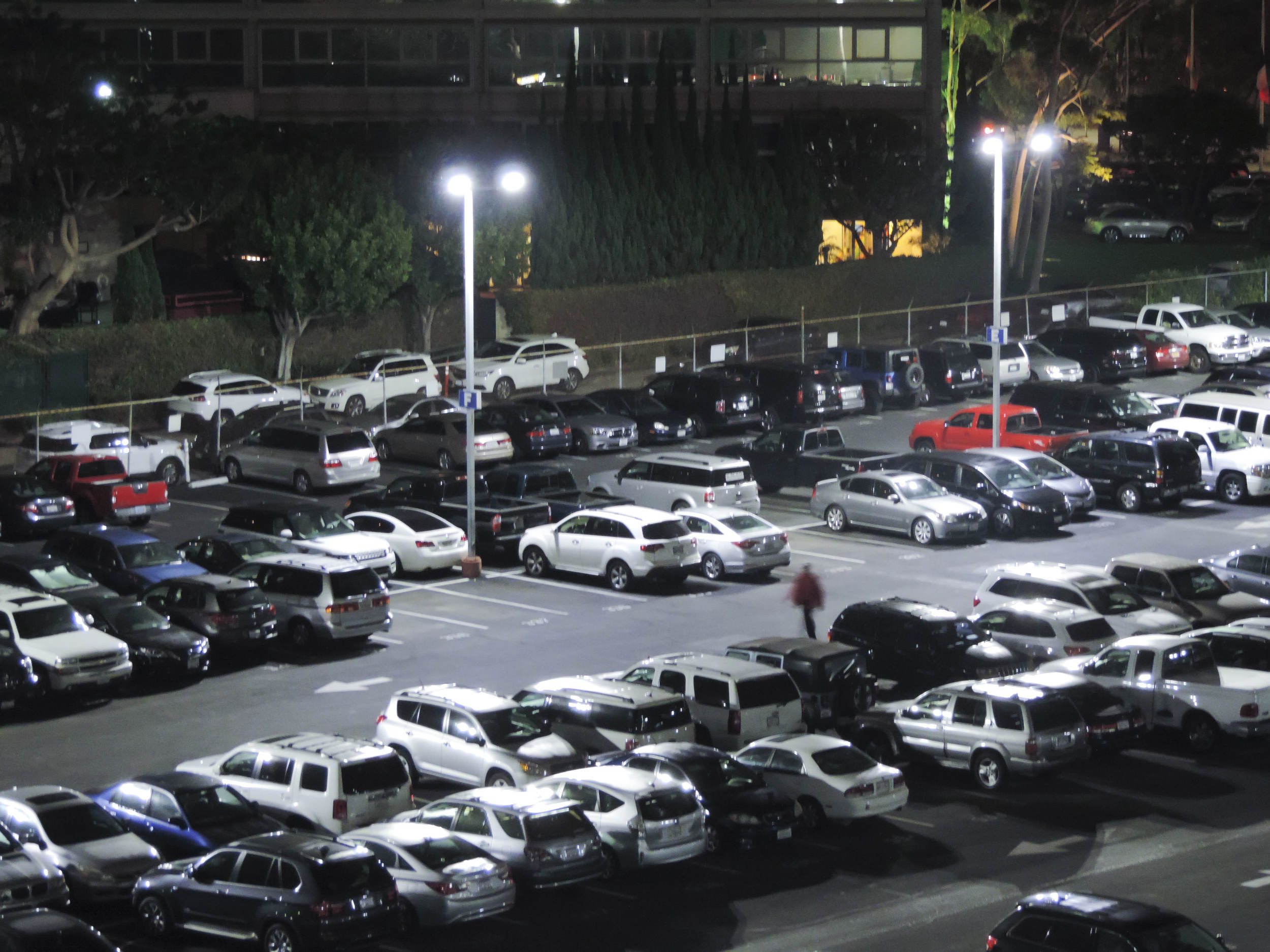 Awaken LED Lighting - Parking Lots - JOE'S PARKING 05.jpg