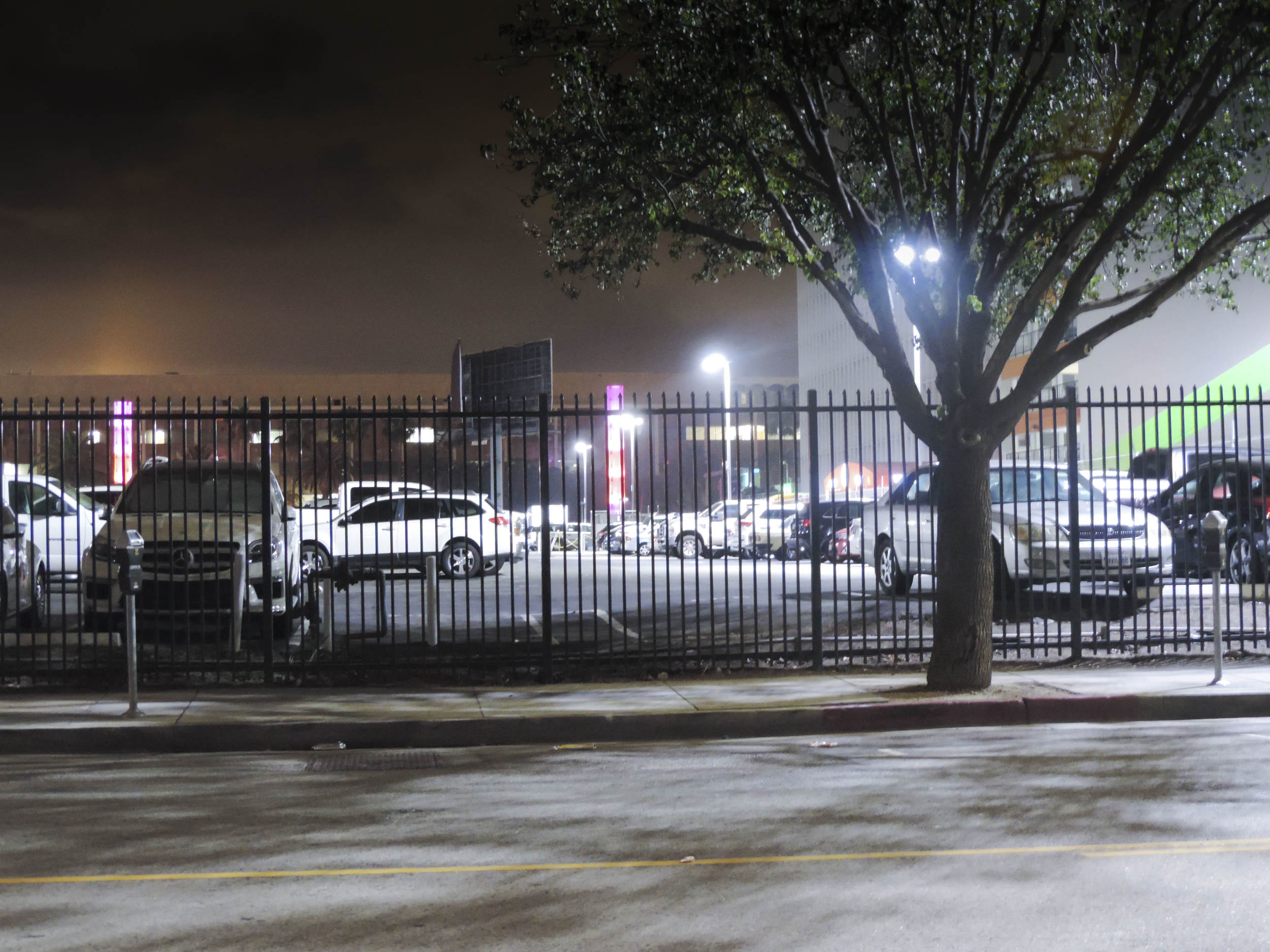 Awaken LED Lighting - Parking Lots - JOE'S PARKING 09.jpg