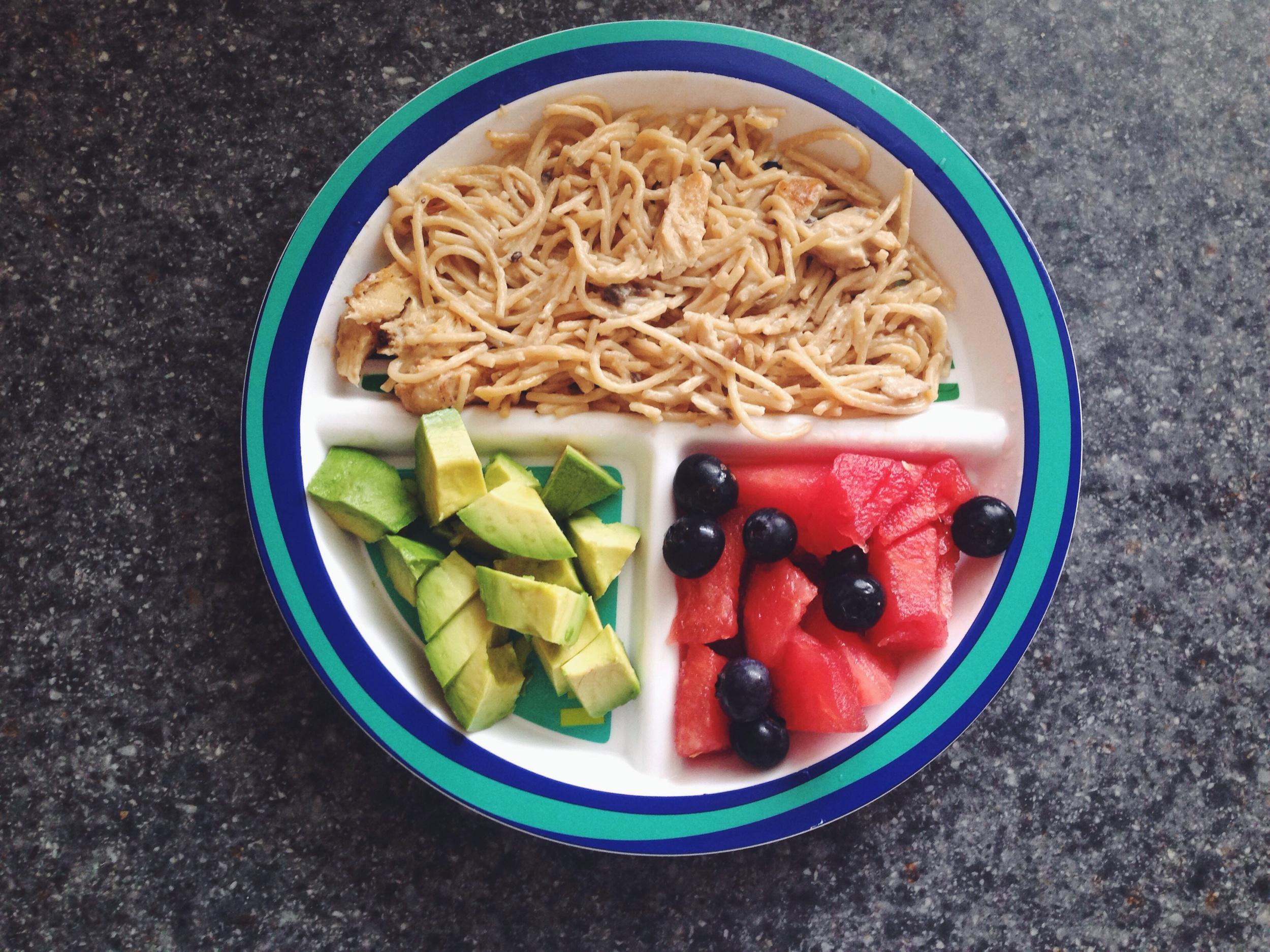 whole wheat pasta, grilled chicken, mushroom Alfredo sauce / watermelon, blueberries / avocado slices