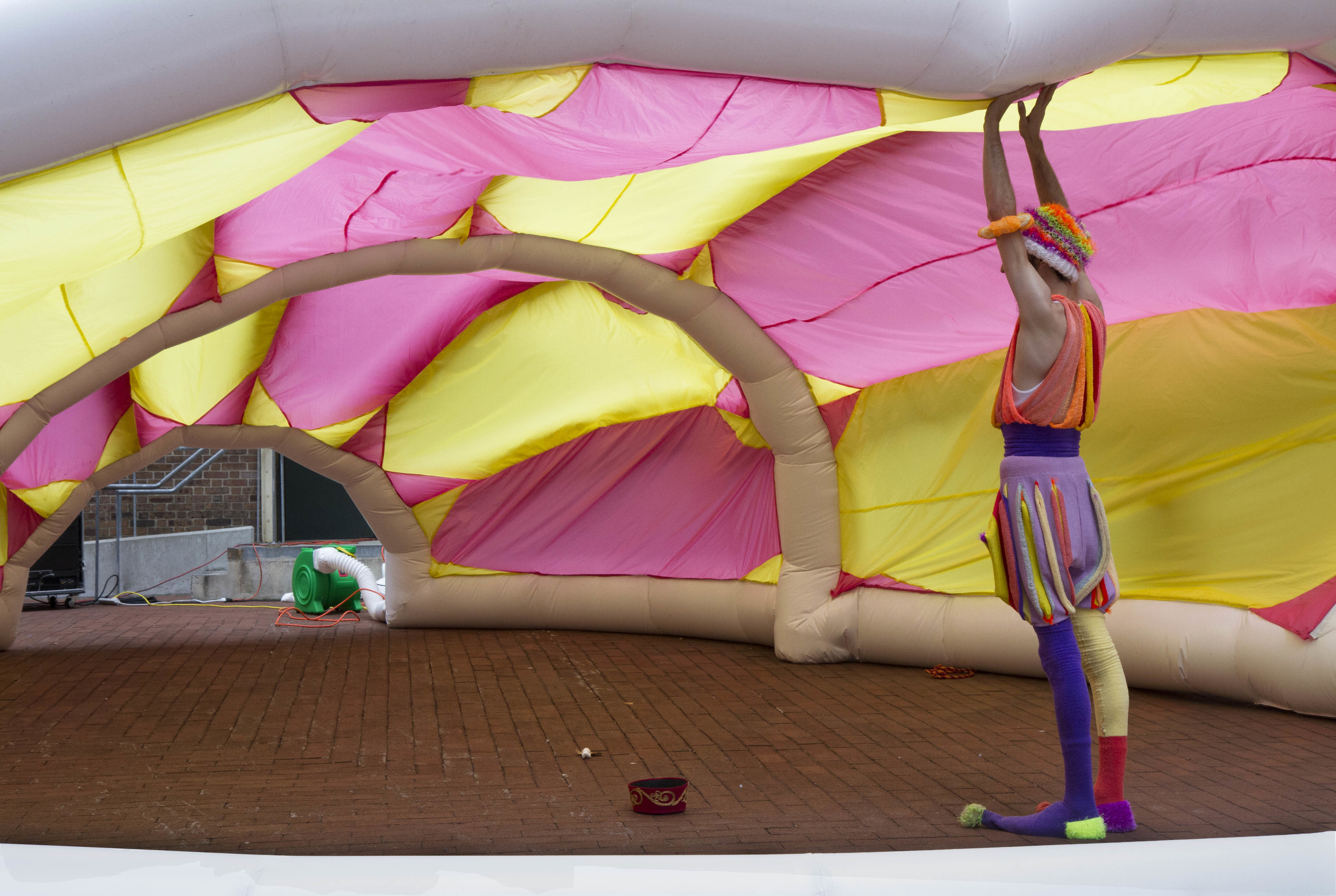 Pneuhaus Circus