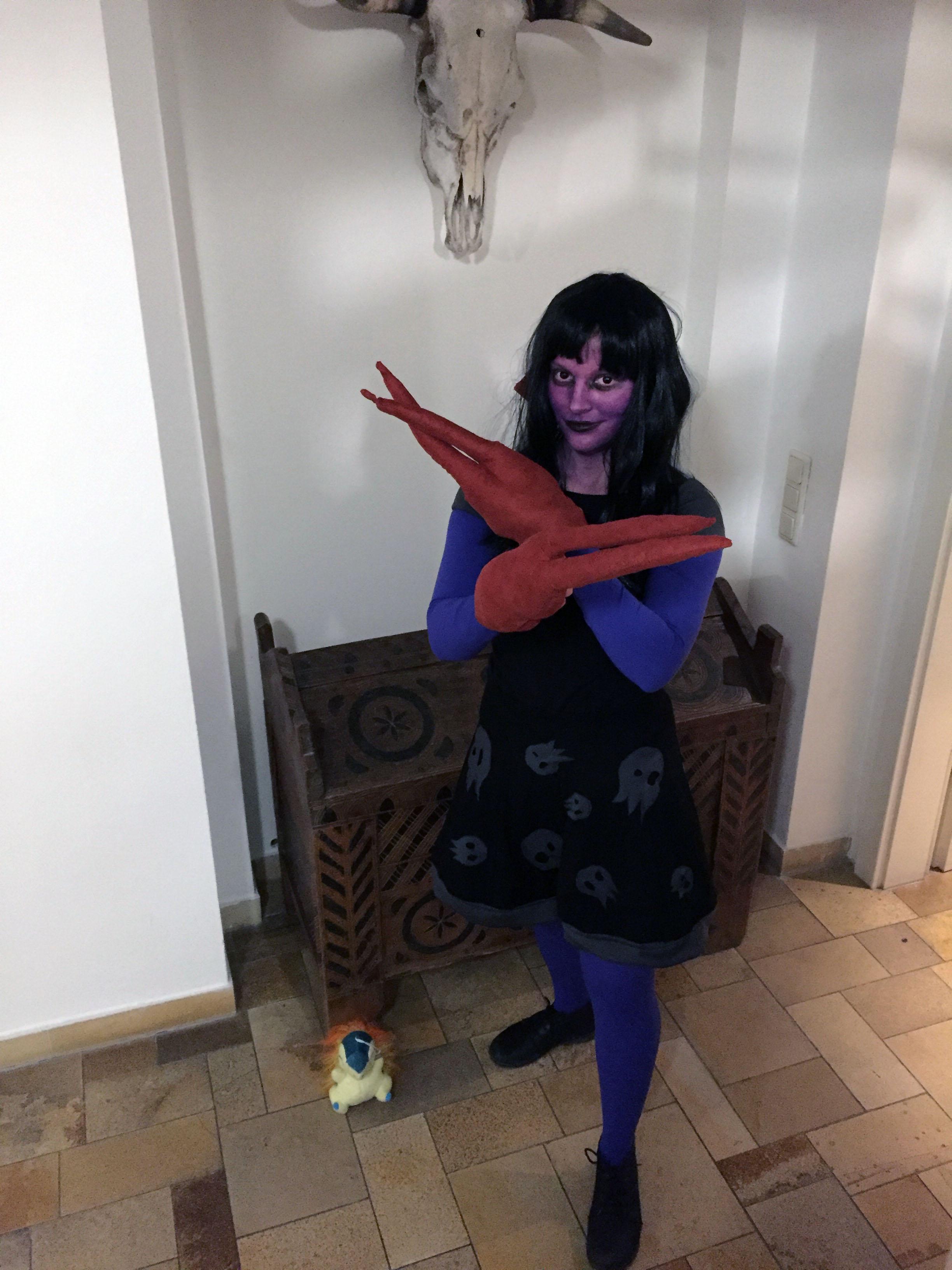 Clawed Girl Halloween 2015