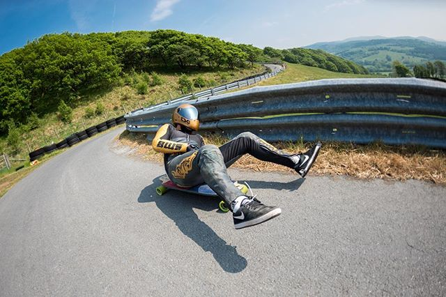 Apparently this man is an athlete..... #yoloswaggins #ridethedragon #briannecollective #madenotbought #longboarding #tikibreaks #longboard #streetlugeisnotacrime #streetluge #streetluging #buttboard #boardlogic #bccollective
