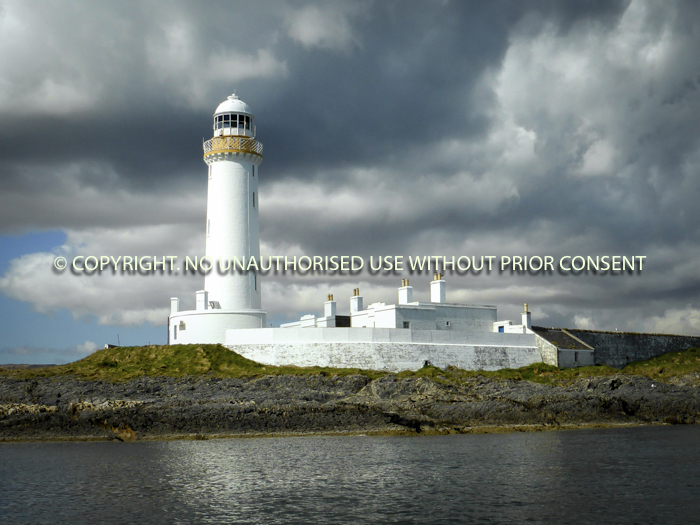 EILEAN MUSDILE LIGHTHOUSE by Rory Morrison.jpg