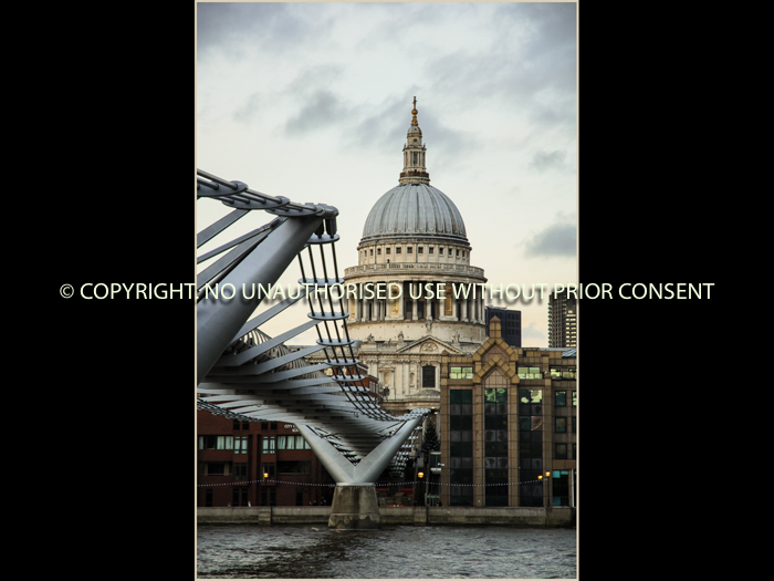 ST PAULS by Ian Ashley.jpg