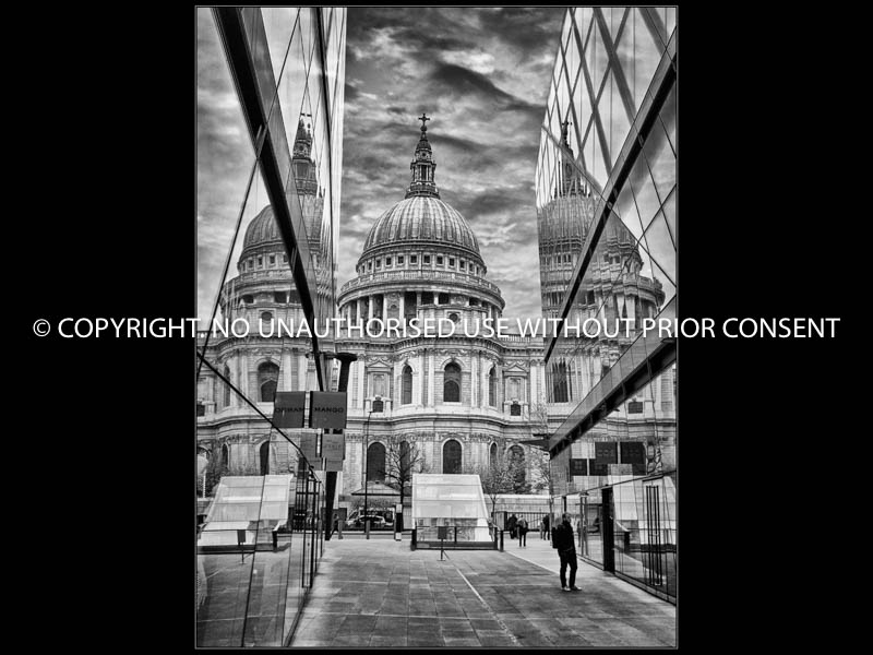 MIRROR OF ST PAULS by Tony Crabtree CPAGB.jpg
