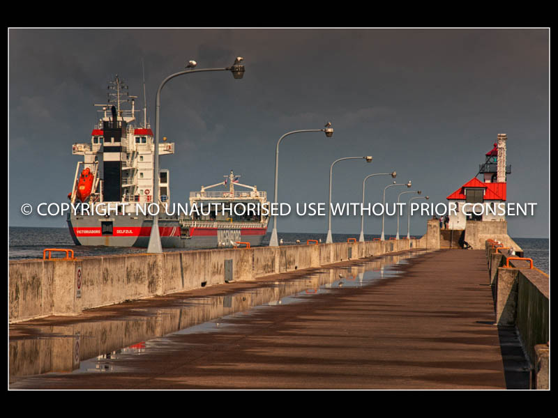 DULUTH PIER AND LIGHTHOUSE by Ian Mellor.jpg
